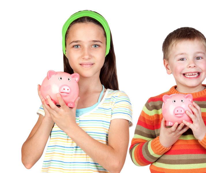 4 kids with piggies